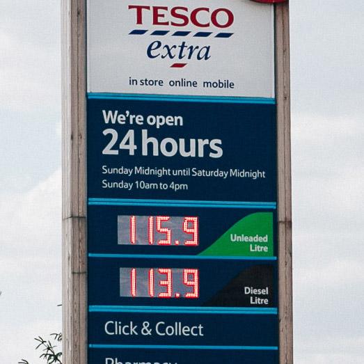 ceny paliwa w UK 2015