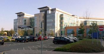 szpital w Peterborough widok od glownego wejscia