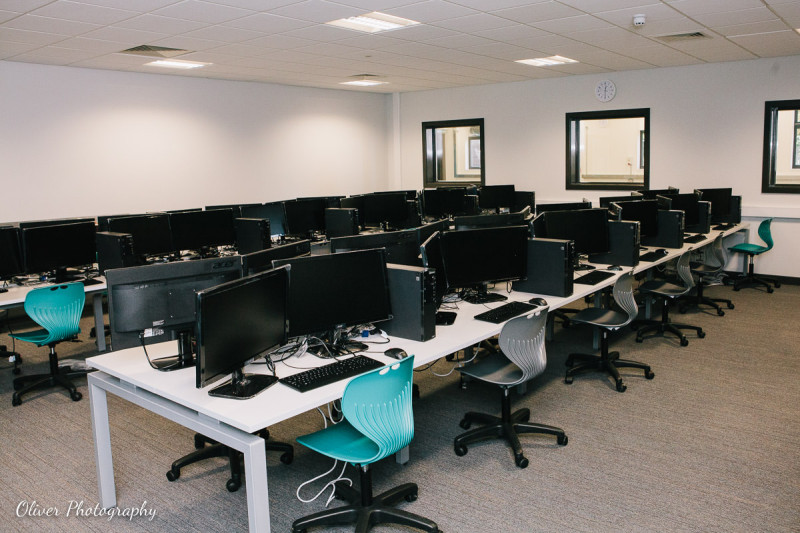 pracownia komputerowa w Peterborough University Technical College