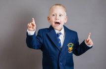 ubiór dzieci w brytyjskich szkołach