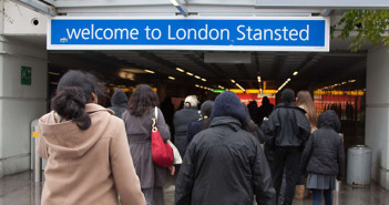Na brytyjskich lotniskach zaczną obowiązywać bardziej szczegółowe kontrole