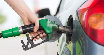 litr paliwa w UK poniżej funta