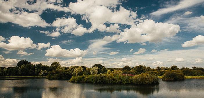 jezioro w parku Ferry Meadows